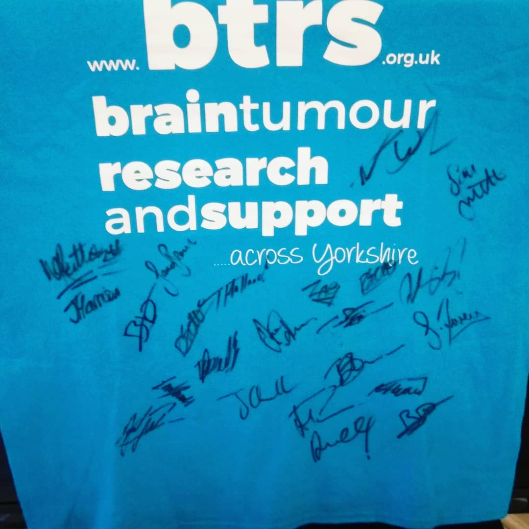@batleybulldogsofficial thank you for the signed T-shirt, got it from Doc! This is a great prize for our #raffle for @btrsacrossyorks #signedtshirt #dogs #batleybulldogs #prizes #championship #rugby #rugbyleague