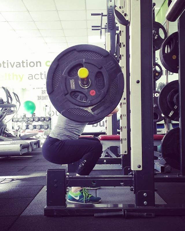 Monday or #squatday? #frontsquat my fave squats, what's yours? #squat #squats #favourite #strongwomen #strongwoman #girlswholift #personaltrainer #personaltraining